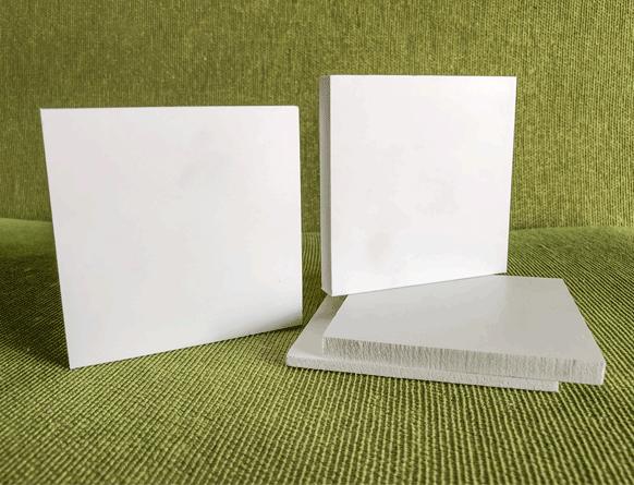 Tấm ván nhựa PVC foam SBP màu trắng
